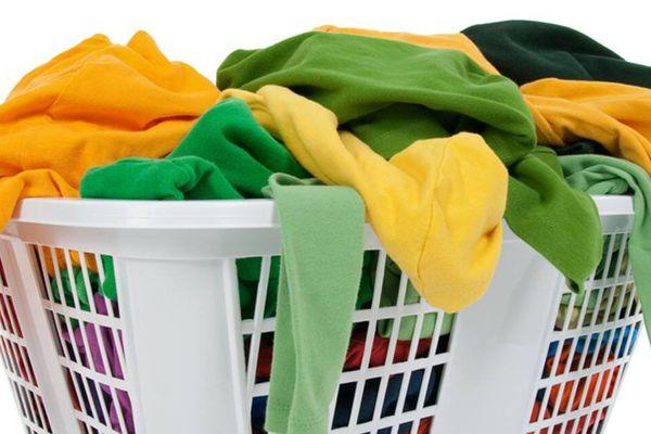 Sấy quần áo bằng tủ sấy hay máy sấy thì tốt?
