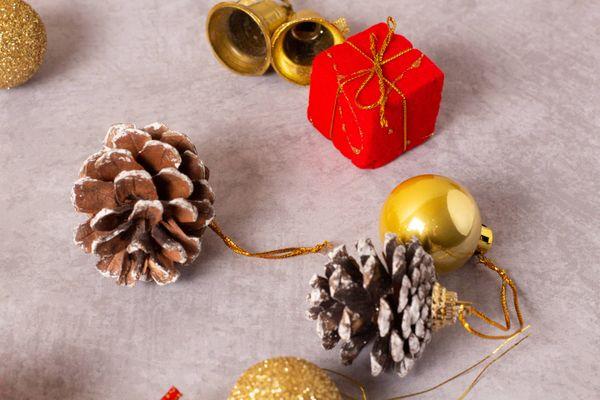 Aprenda fazer uma decoração de Natal artesanal