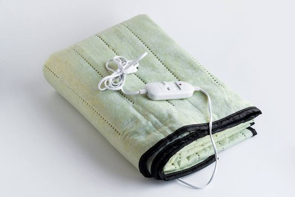 Green electric blanket