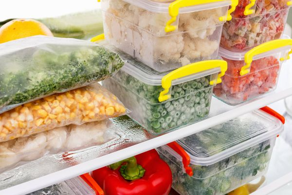 Nên chọn hộp nhựa hay hộp thủy tinh đựng thức ăn?