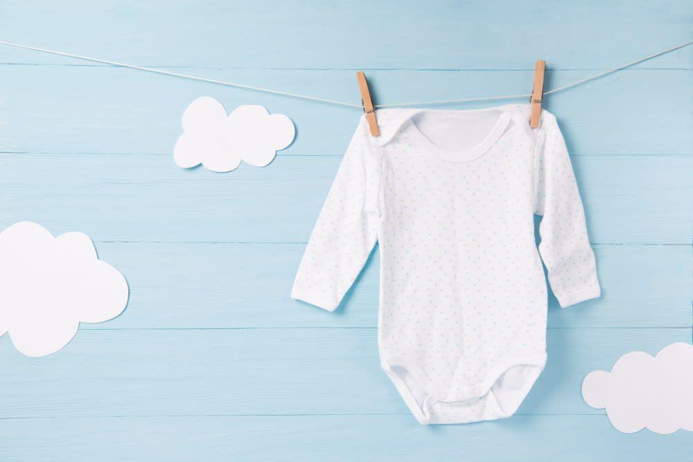 Bebek kıyafeti yıkama