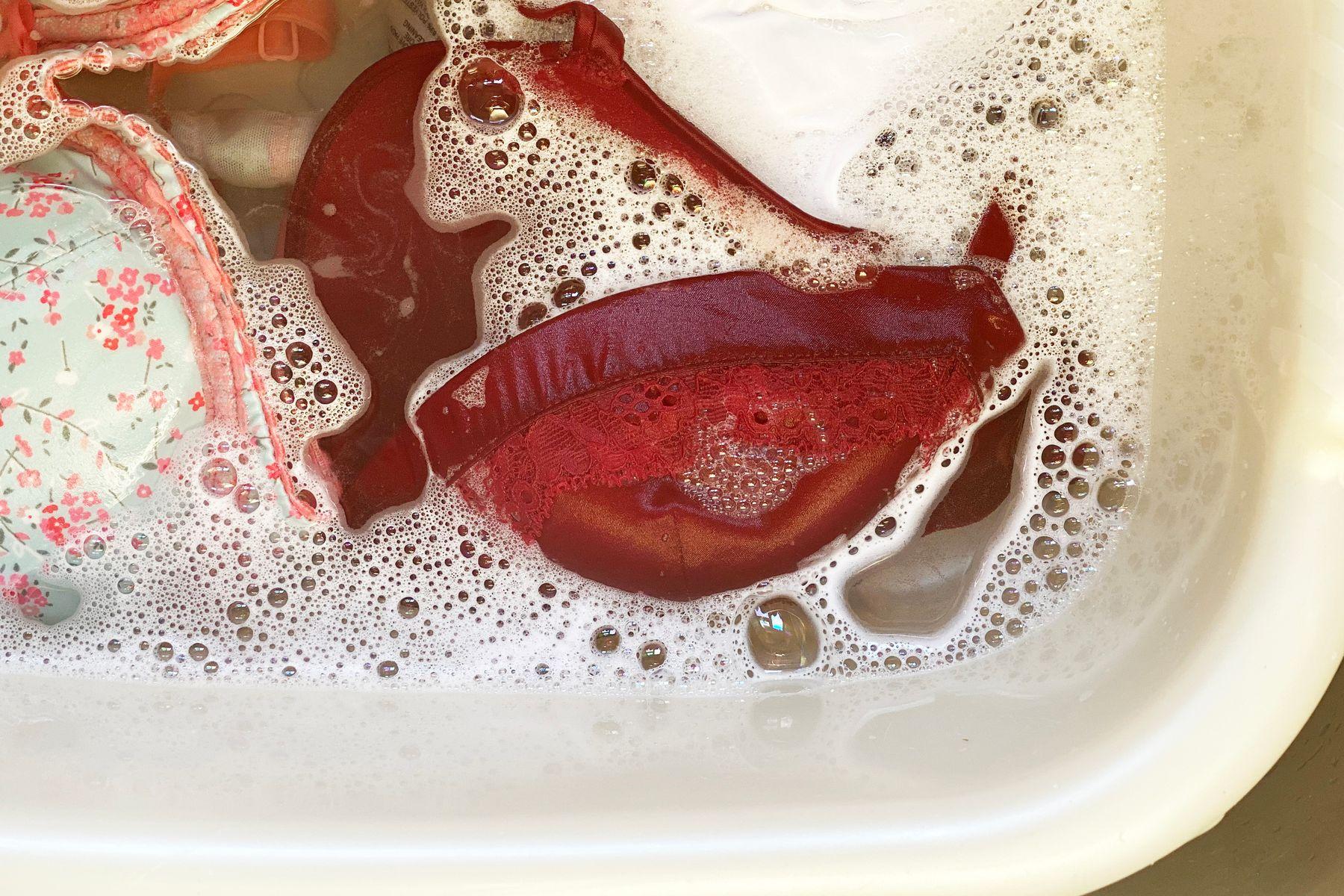 lavar la ropa profundamente