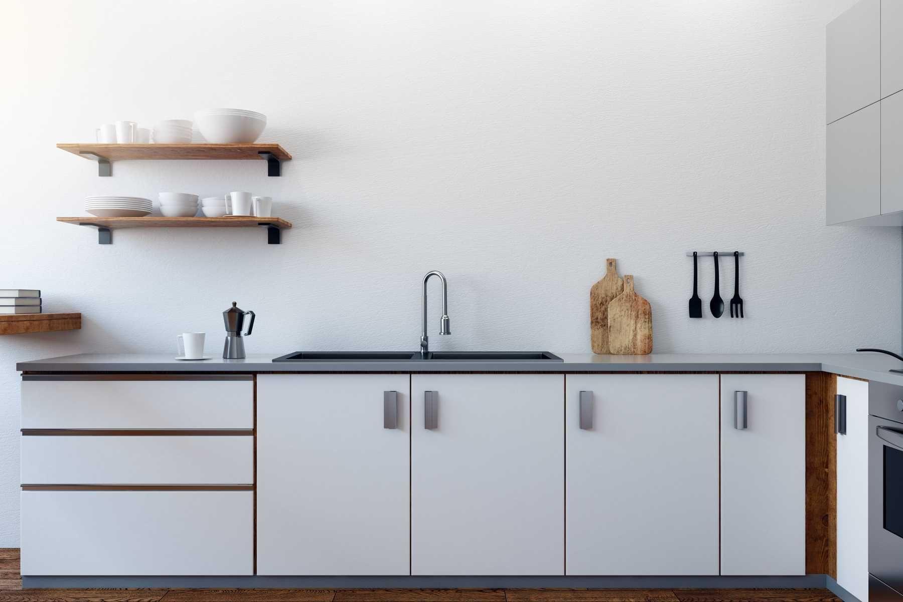 trang trí nhà bếp với kệ gỗ treo tường