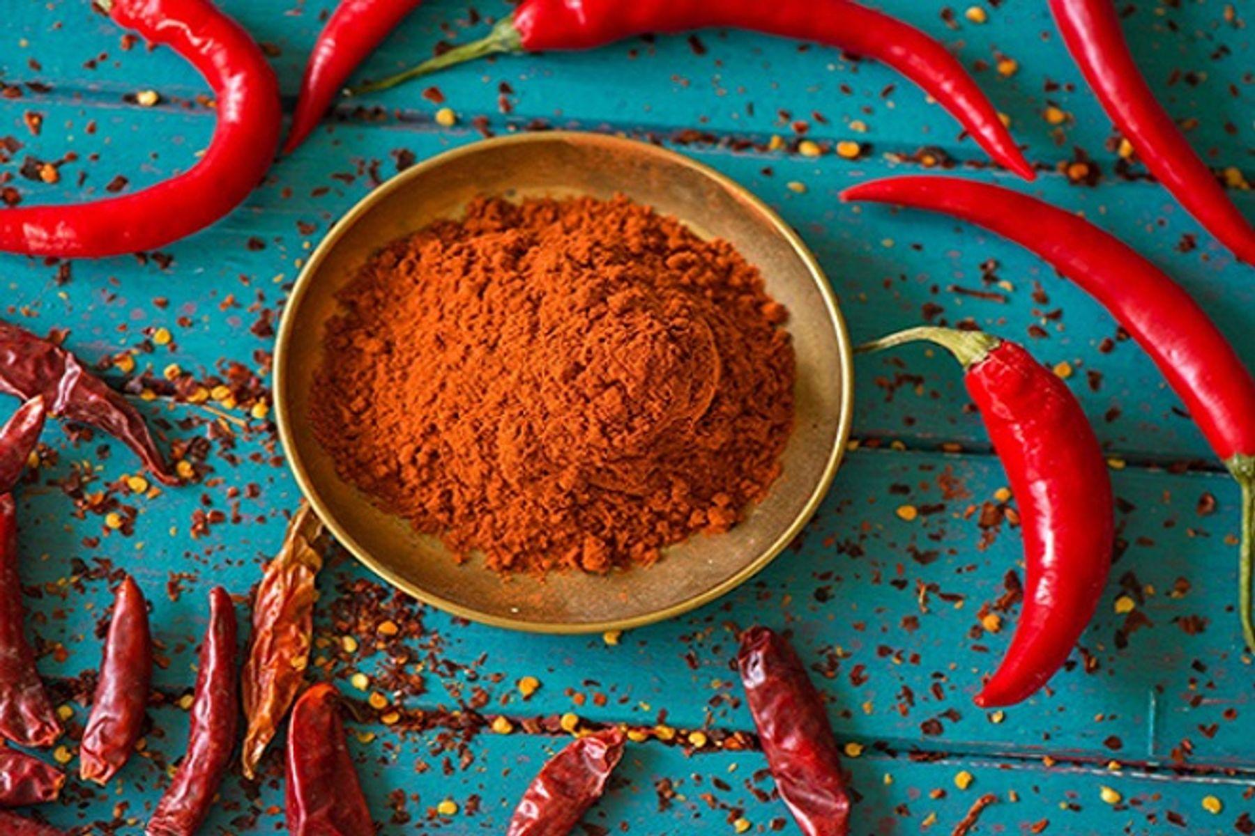 Step 4: Cách diệt ruồi bằng ớt bột