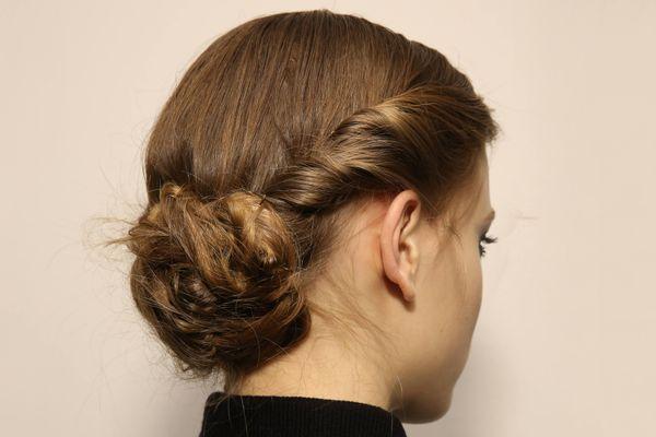 Bật mí những kiểu tóc cô dâu lộng lẫy trong ngày đẹp nhất đời