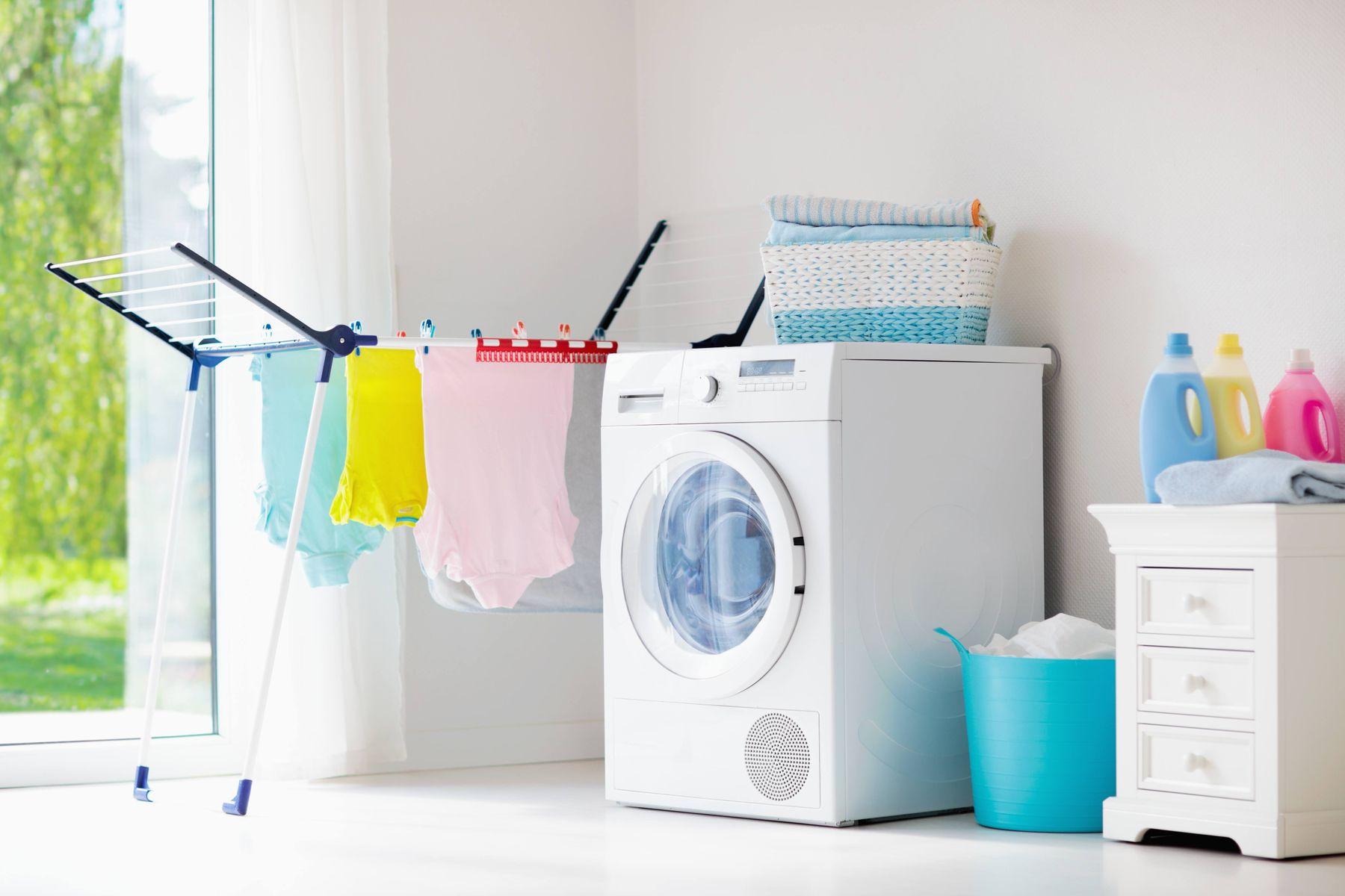 3 Cách bảo quản quần áo khi trời nồm hiệu quả