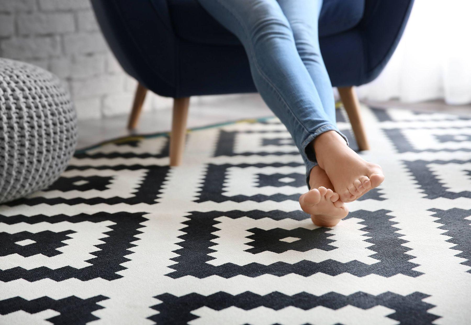 Vì sao phải giặt thảm thường xuyên