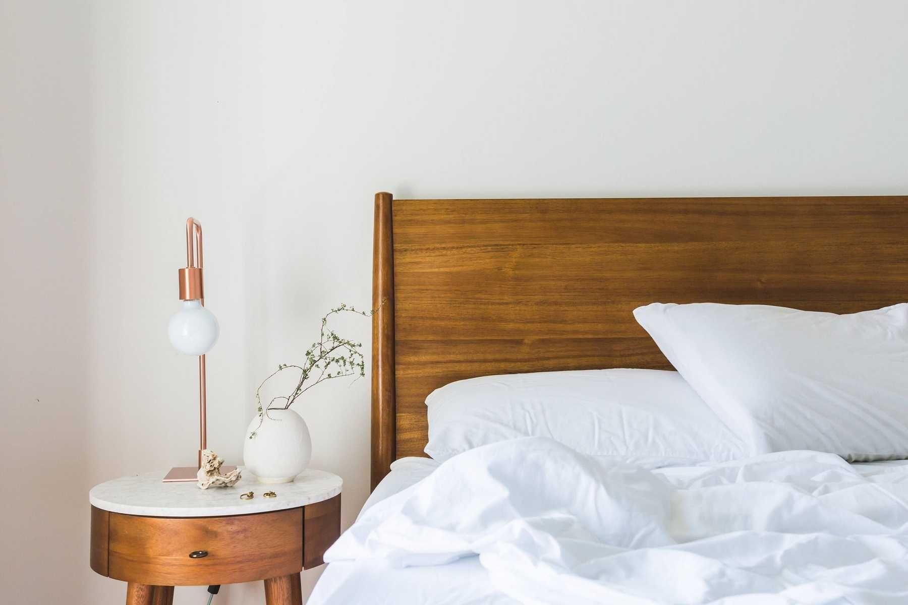 Bố trí phòng ngủ với ánh sáng dịu nhẹ