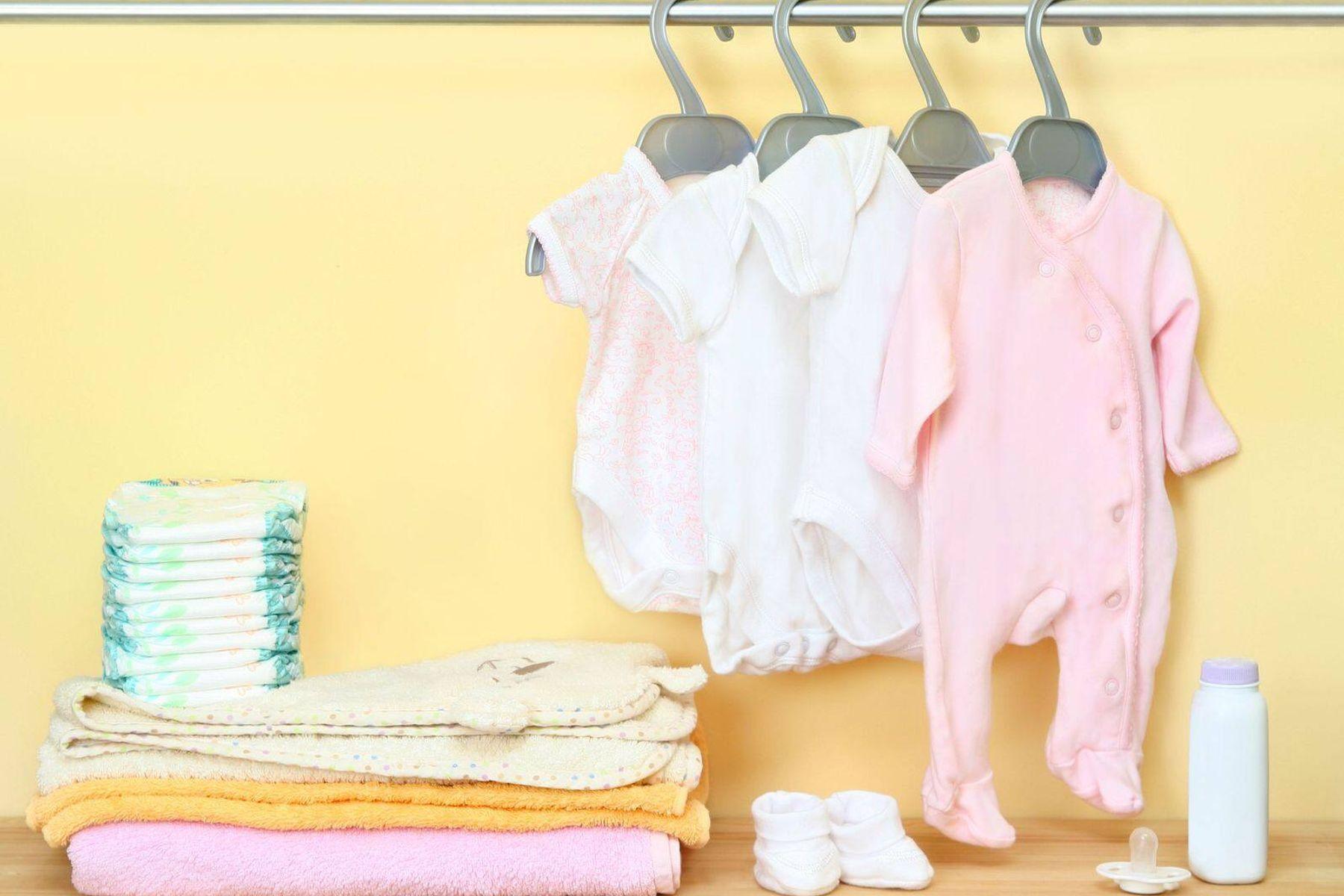 Hướng dẫn ba mẹ cách giặt và bảo quản quần áo trẻ sơ sinh an toàn