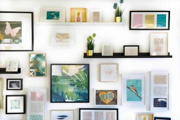 small decor on wall for small space