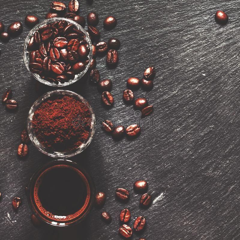 cách diêt kiến bằng bã cà phê