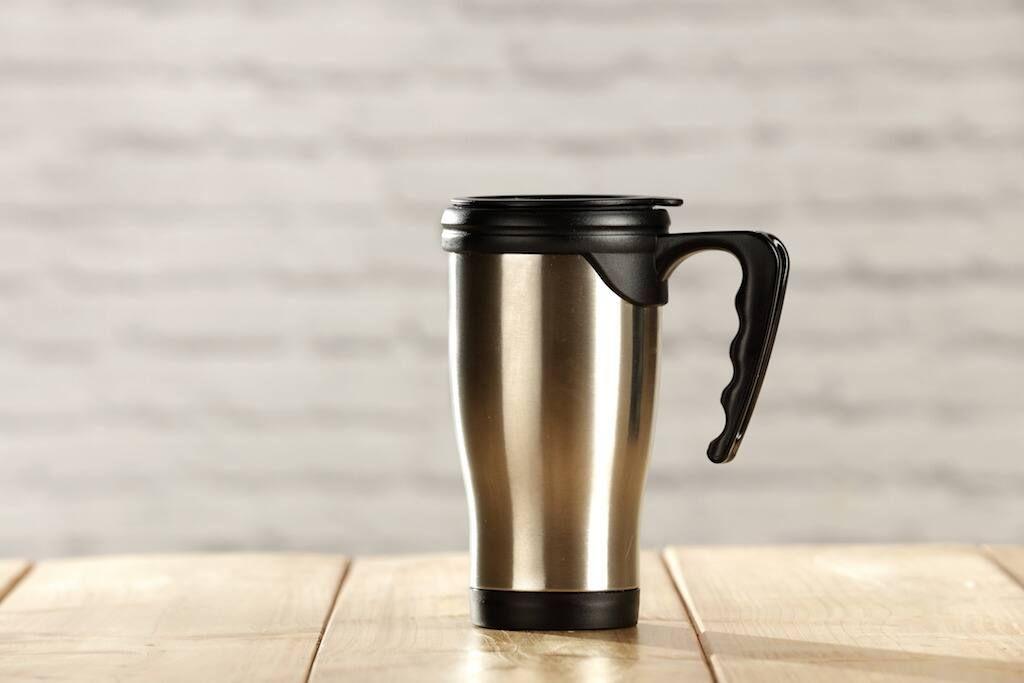 tasse thermos en acier inoxydable avec couvercle noir