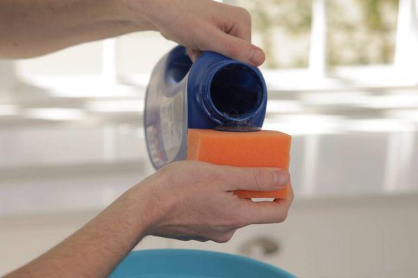 Phân biệt nước xả vải thông thường và nước xả vải sinh học