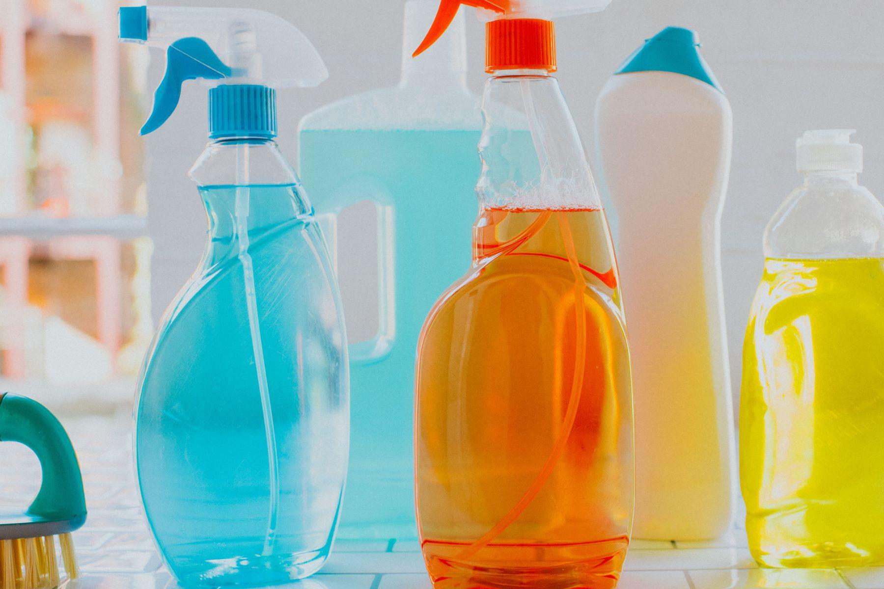 mutfak dolabındaki yağların temizliği