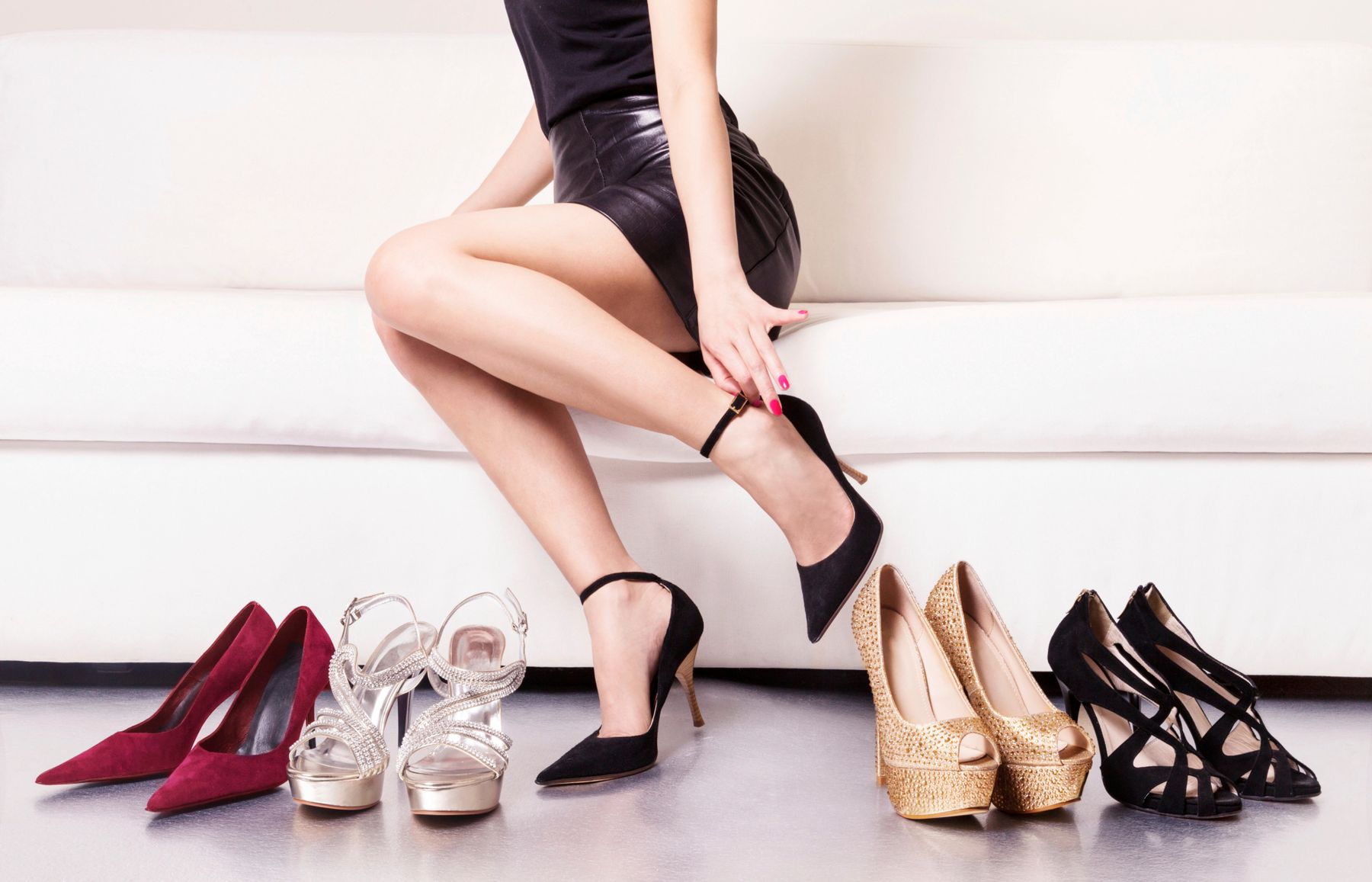 """Phối đồ cho người lùn bằng những đôi giày cao gót màu da """"thần thánh"""""""