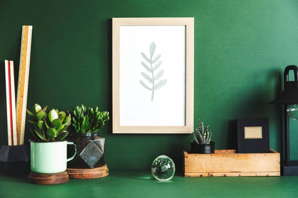 Amazing Method to Clean Your Wooden Photo Frames