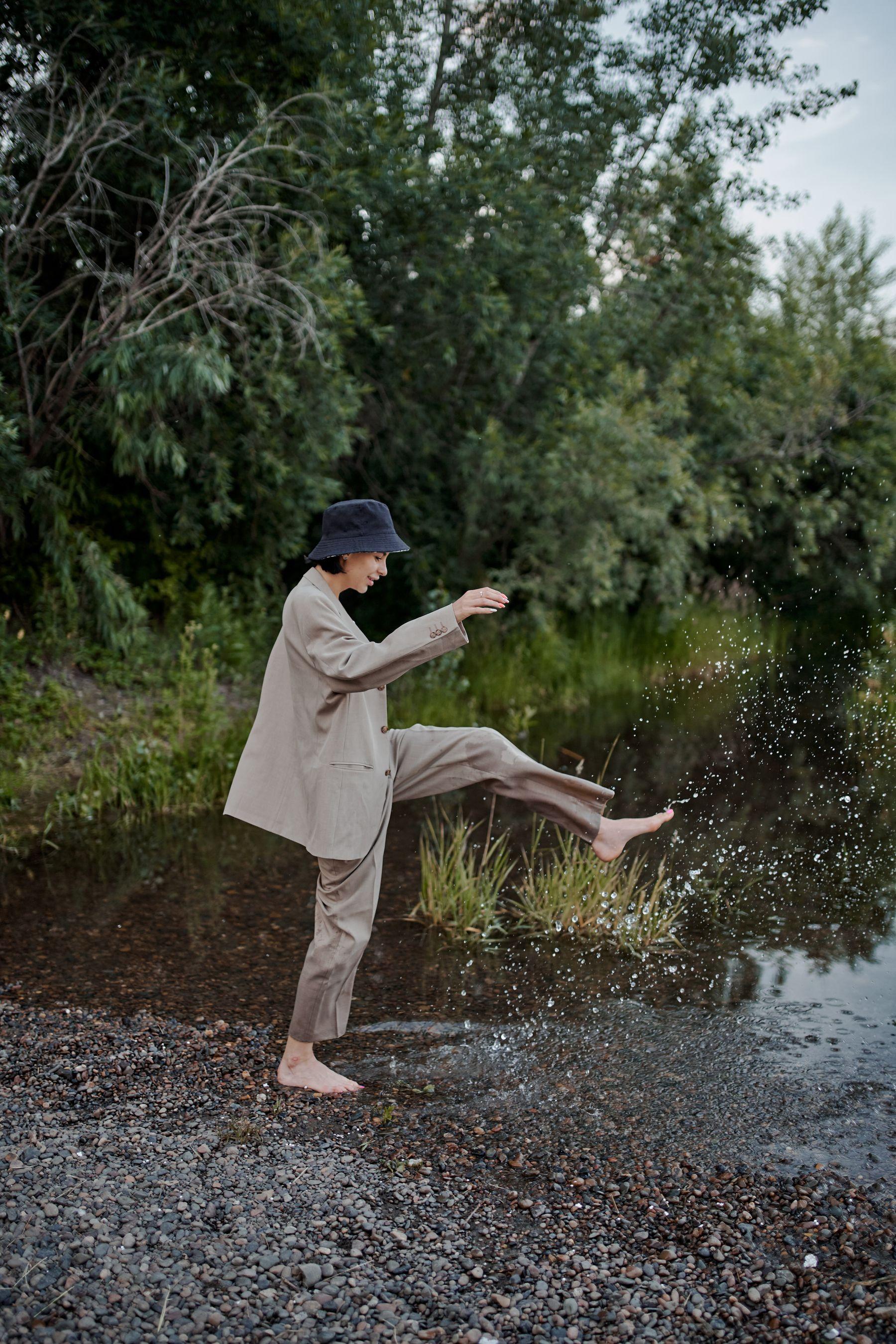 Quần ống rộng và áo blazer là sự kết hợp cực sang chảnh | Cleanipedia