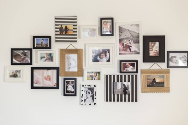 picture wall in home