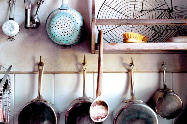 Chọn gạch ốp tường nhà bếp chống bám dầu mỡ