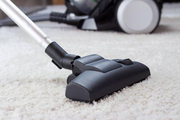 stofzuiger op tapijt