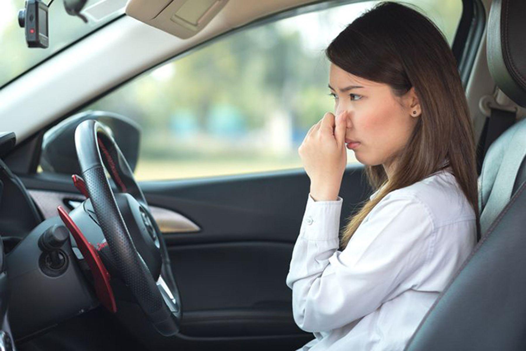cách khử mùi xe ô tô mới hiệu quả