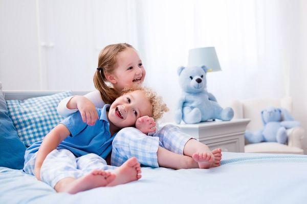Cách chọn và sử dụng gối nằm cho bé không bị móp đầu