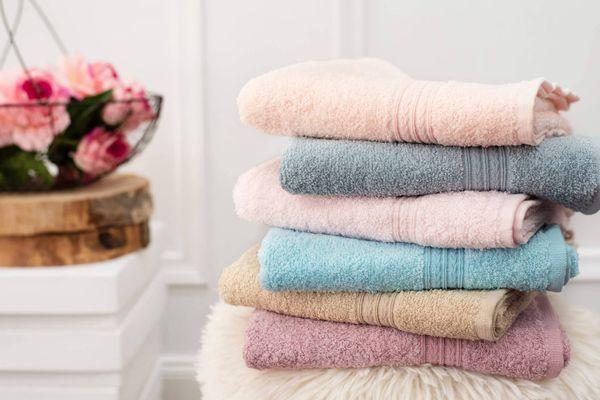 Como deixar as toalhas de banho macias