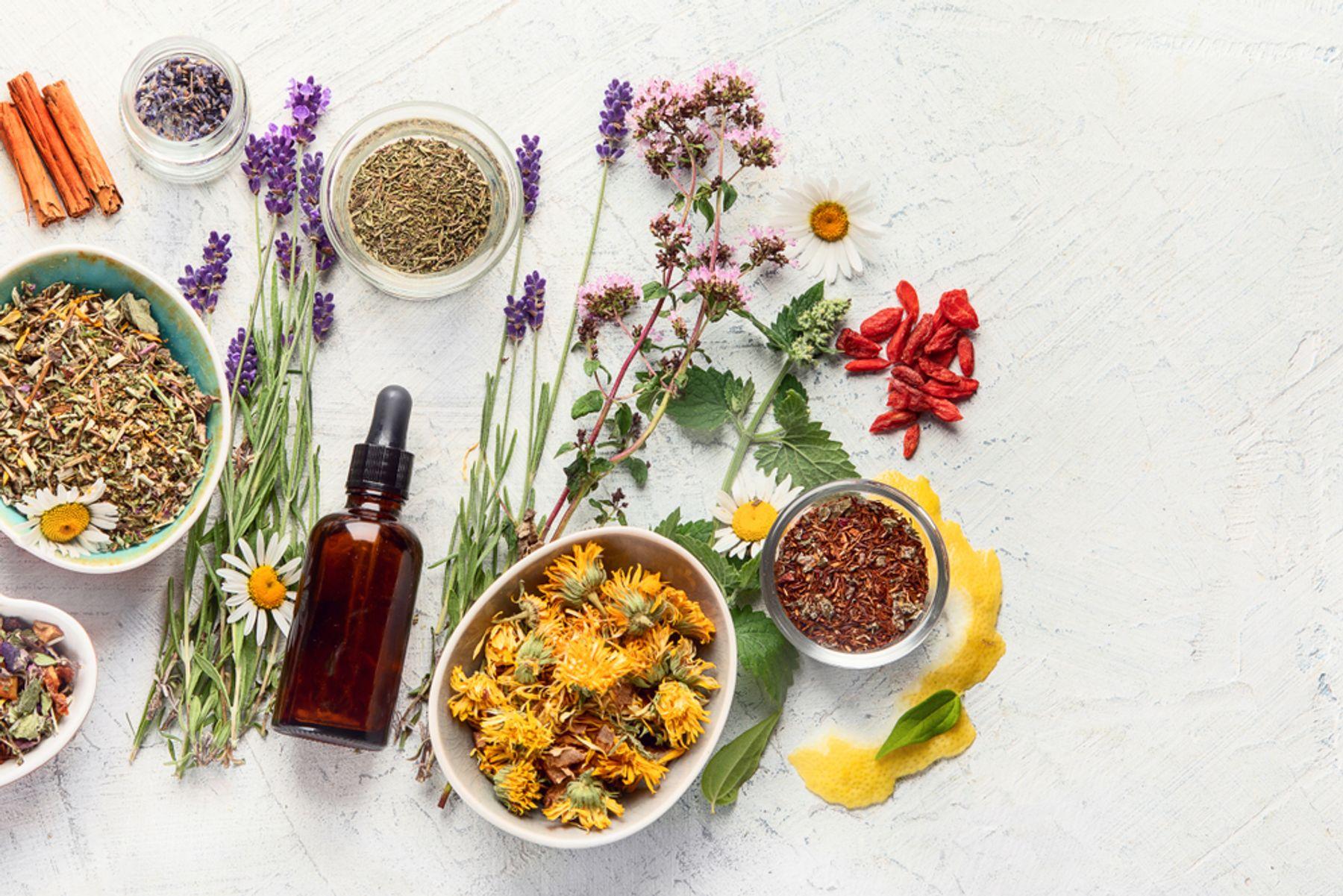 Lưu ý khi sử dụng và làm tinh dầu thơm tại nhà