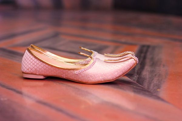 How to care for Kolhapuri Chappals and Juttis | Cleanipedia