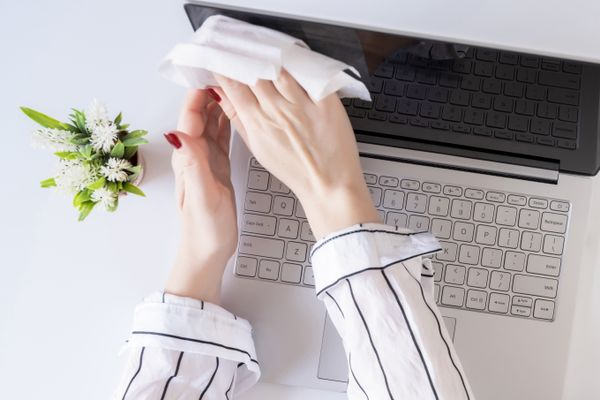 4 Tips to Clean and Disinfect Your Workspace After Lockdown