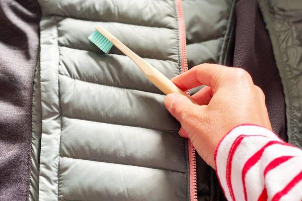 Cẩn trọng với vi khuẩn bám trên quần áo mà bạn đang mặc