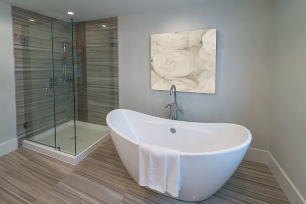 Easy Method to Clean Your Bathroom Tubs