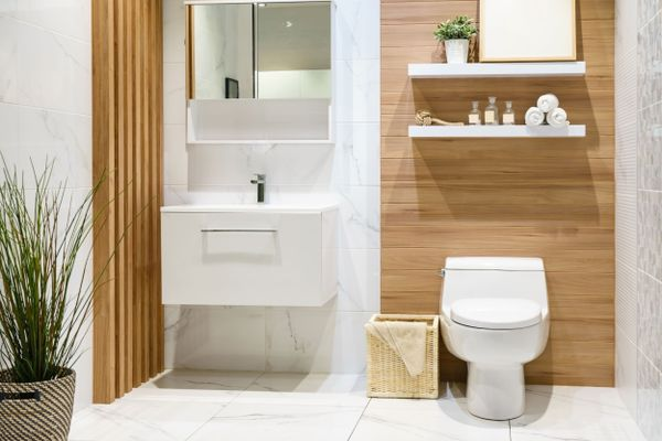 does-your-bathroom-smell-like-a-public-toilet-here-are-a-few-things-that-can-help