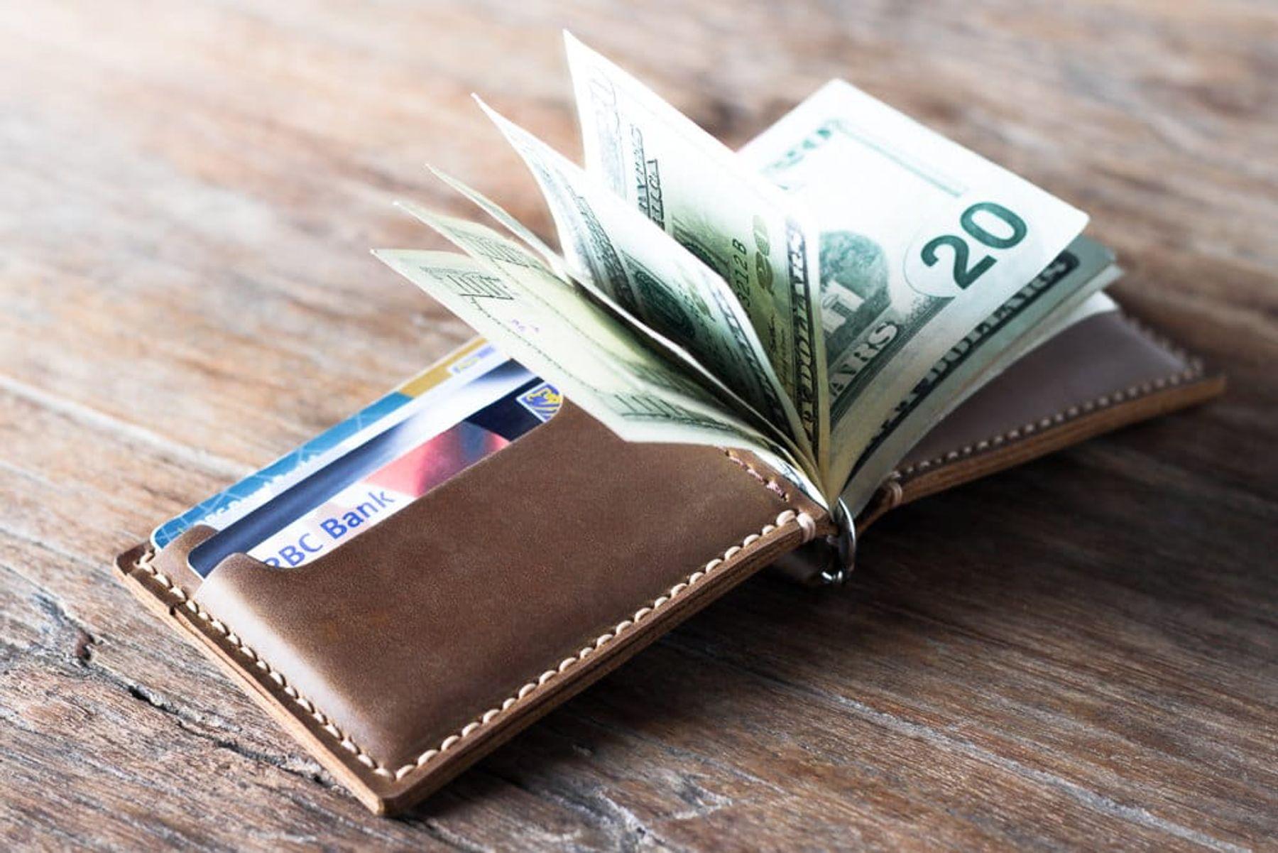 Sử dụng tiền trong ví
