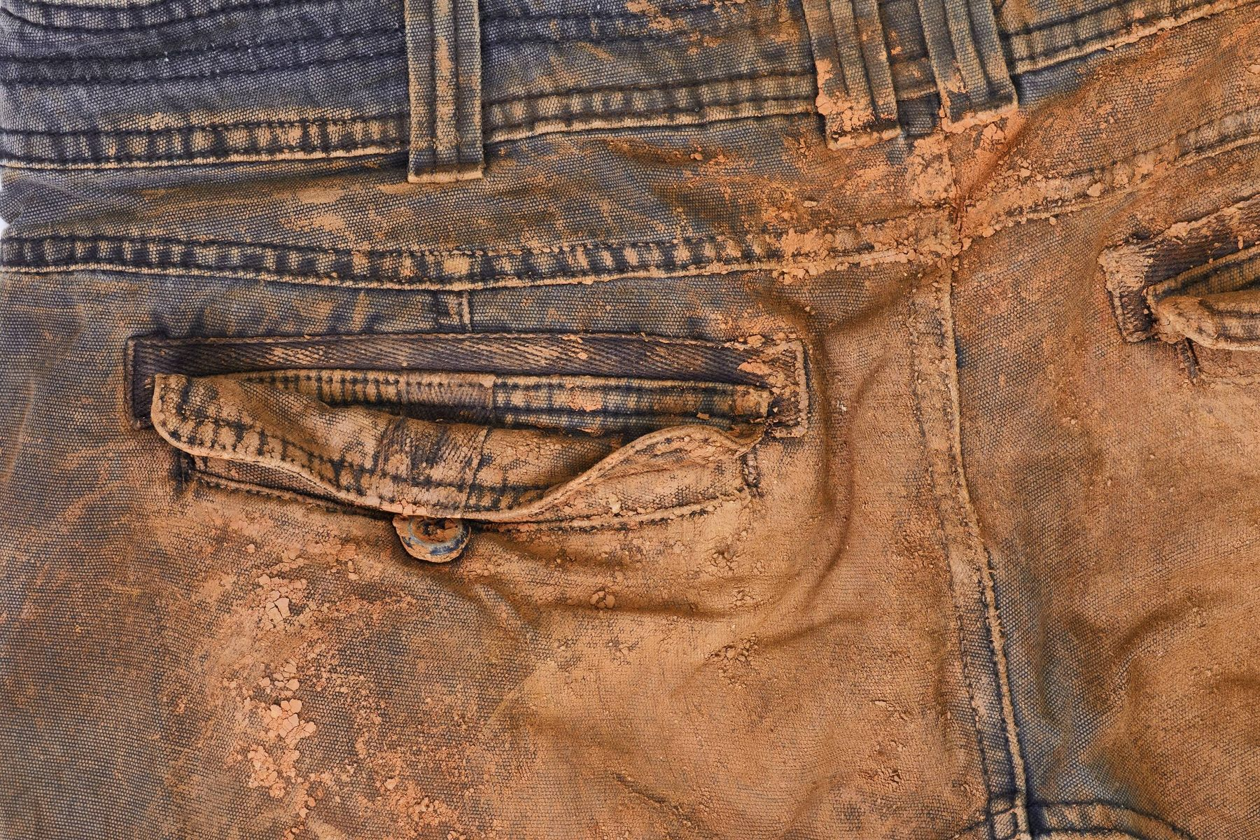 how to remove red clay stains from clothes , fabrics