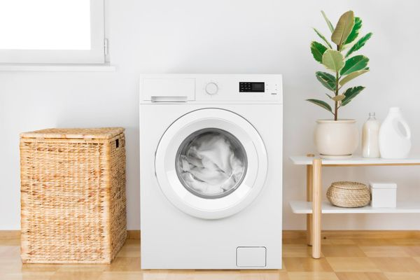 Try These Super Simple Ways to Deodorise Your Washing Machine