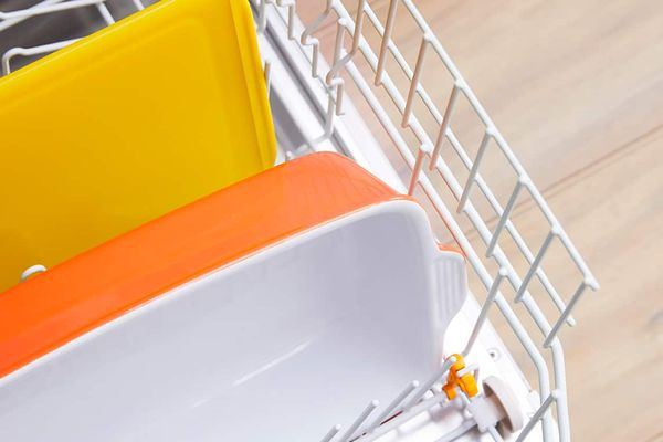 how to clean a dishwasher in 5 steps