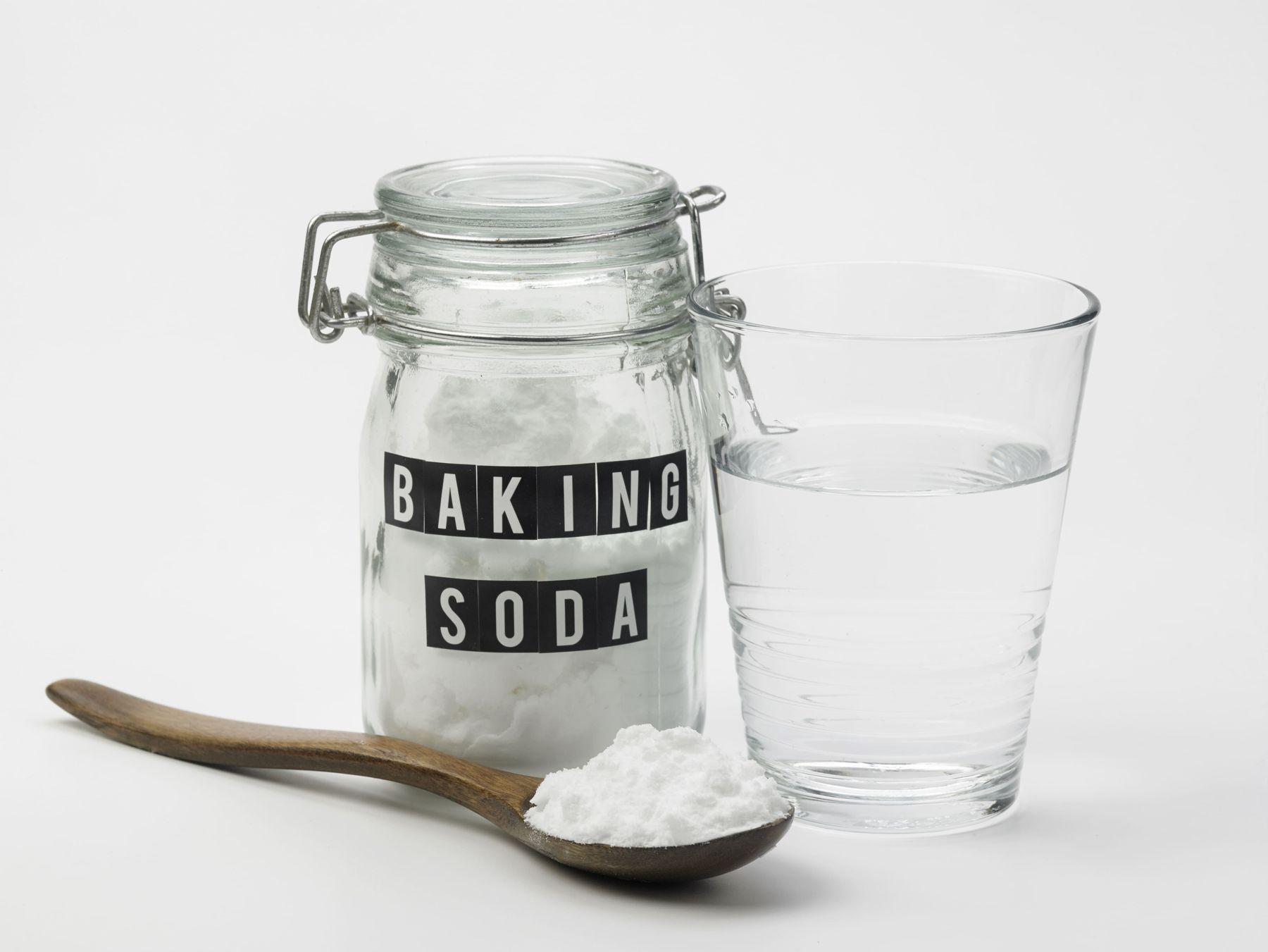 baking soda và nước