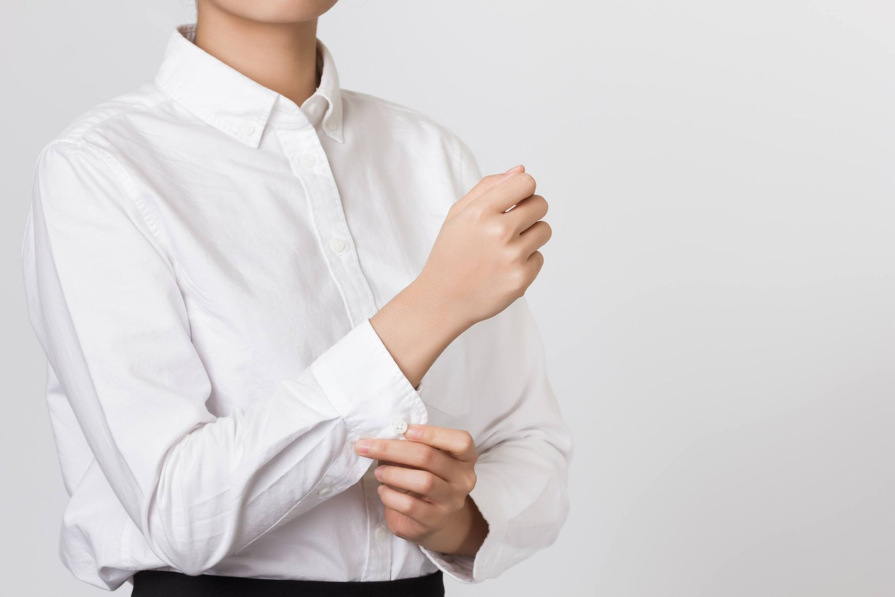 Steps to Remove Black Grease From Your White Office Shirt