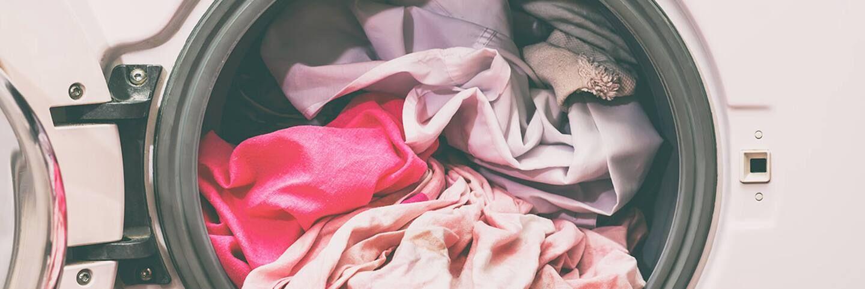 lựa chọn sản phẩm giặt quần áo trẻ sơ sinh