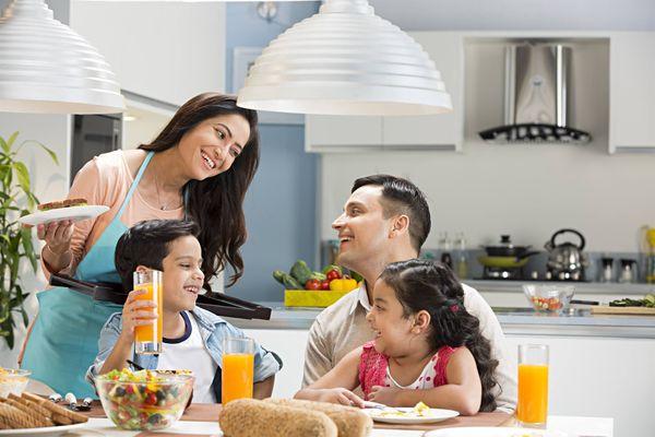 Sunlight Muối khoáng & Lô hội: Lựa chọn an toàn cho mẹ chăm sóc cả gia đình