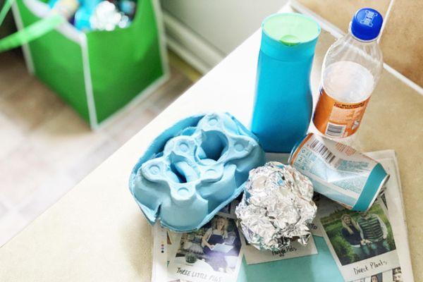 Lixo reciclável para ser separado: papel, plástico e metal
