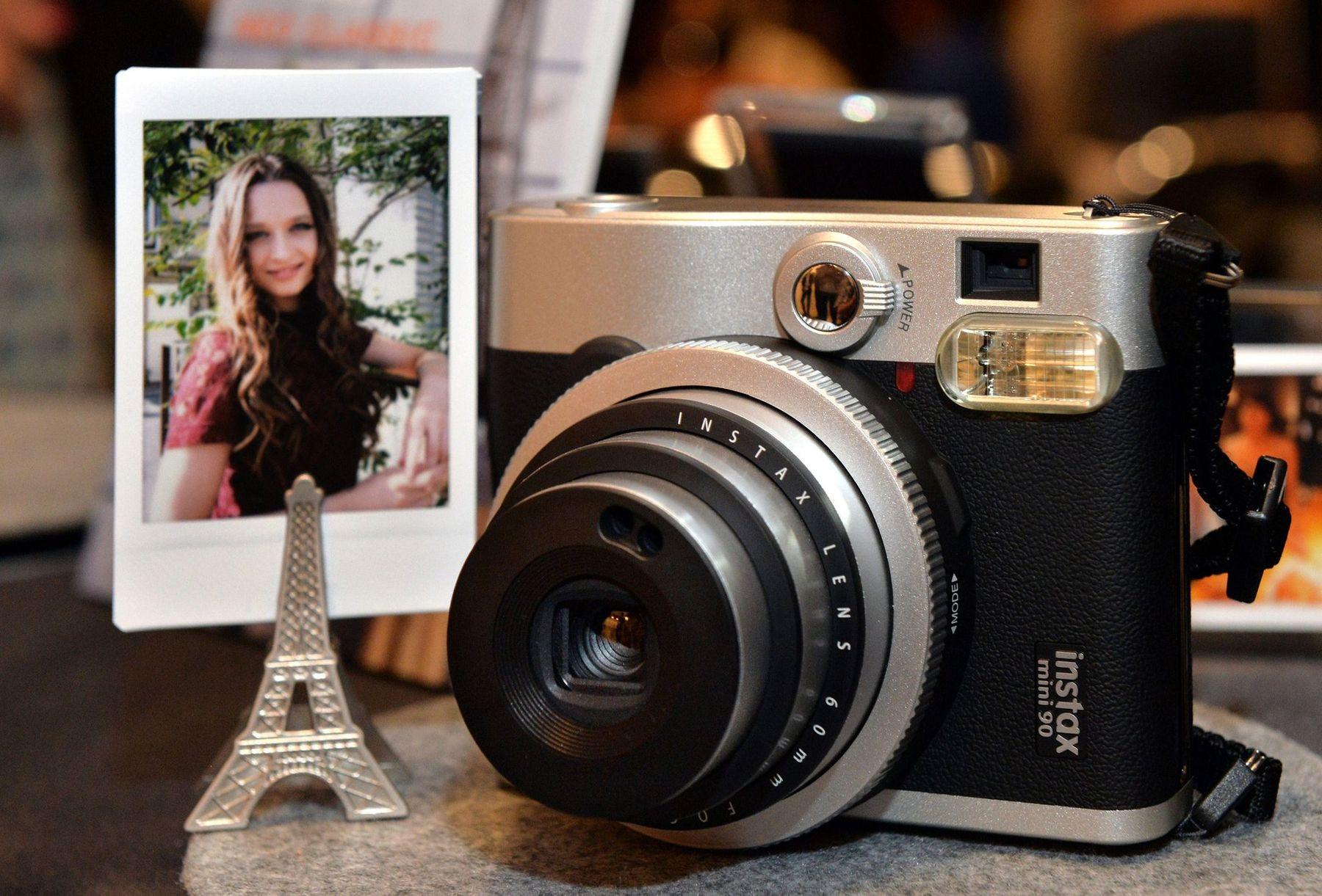 Tặng máy ảnh nếu bạn trai của bạn yêu thích chụp ảnh