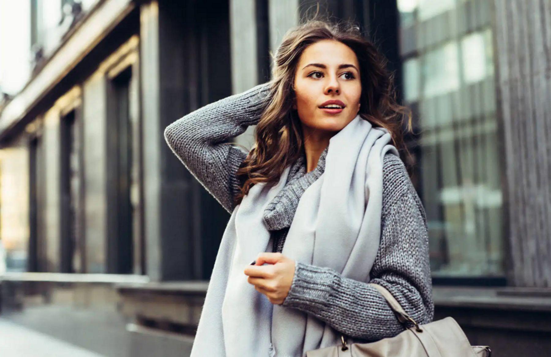 Cách quàng khăn là nghệ thuật cho trang phục ấn tượng hơn | Cleanipedia