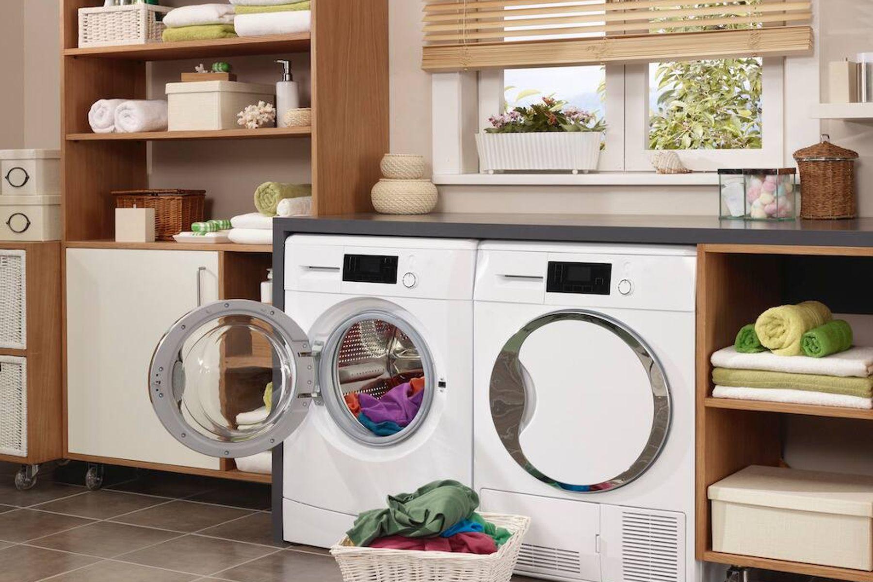 Nước giặt OMO Matic Cửa trước Khử mùi Thư thái: Gấp 3 bảo vệ cho máy giặt, áo quần