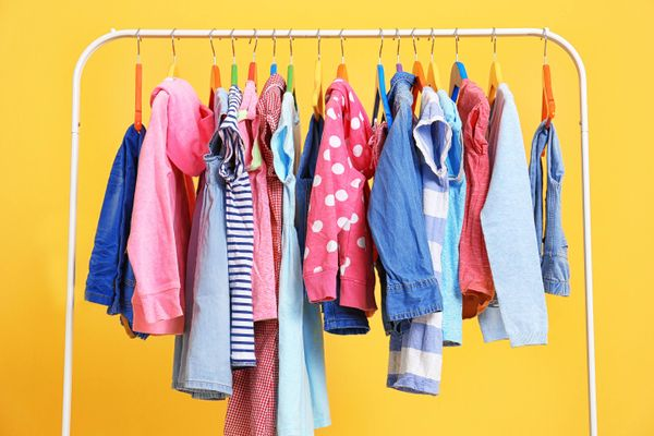 How to Wash Your Clothes to Increase Their Lifespan | Cleanipedia