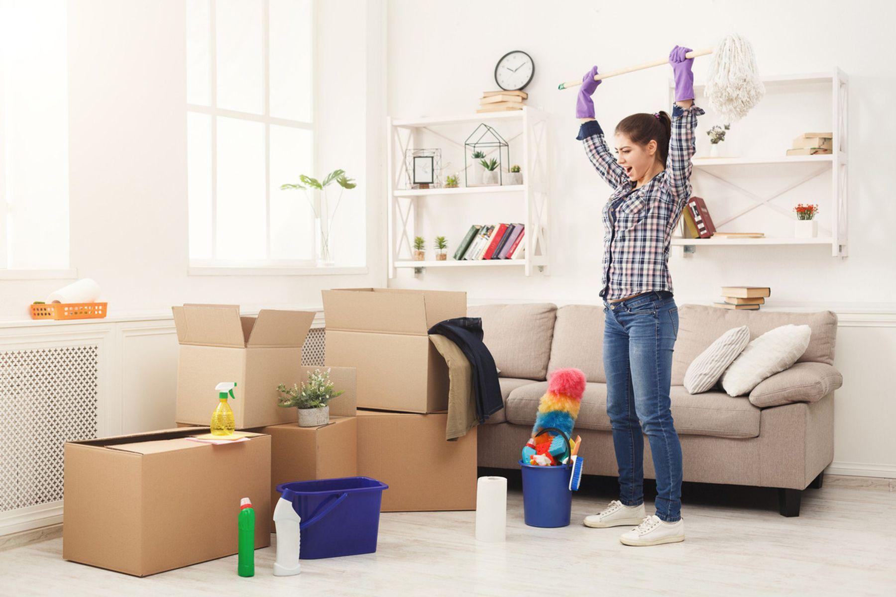 Dọn dẹp nhà cửa nên làm với thái độ vui vẻ