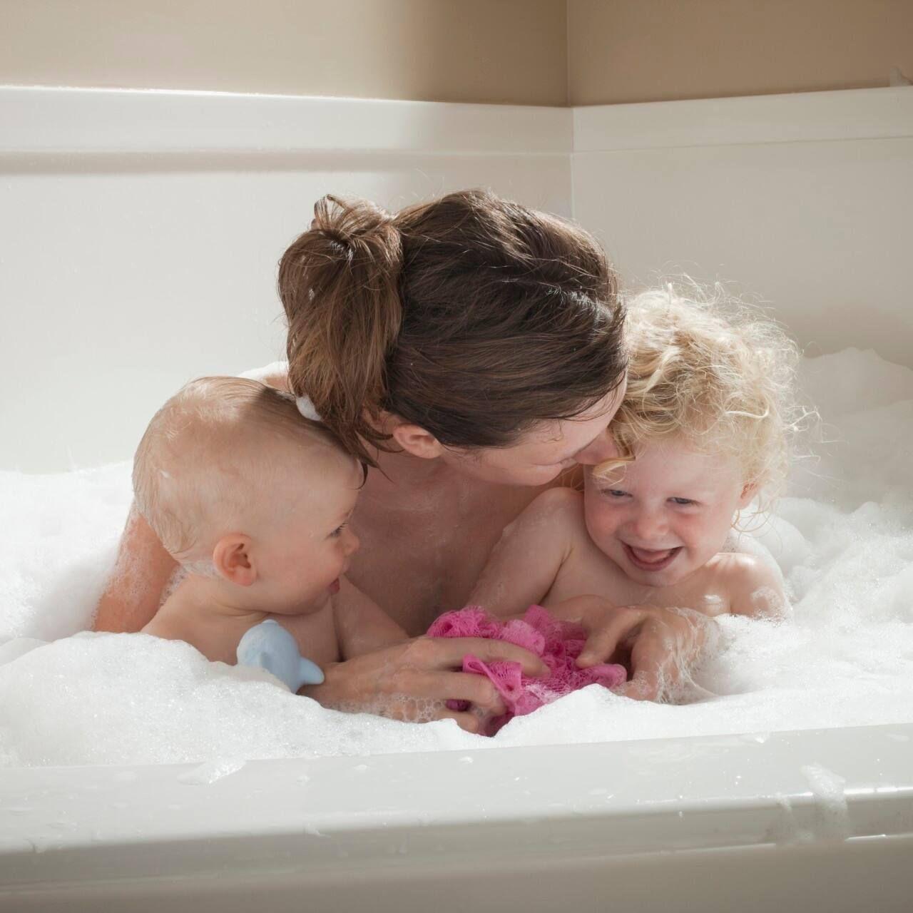 lá tắm cho trẻ sơ sinh