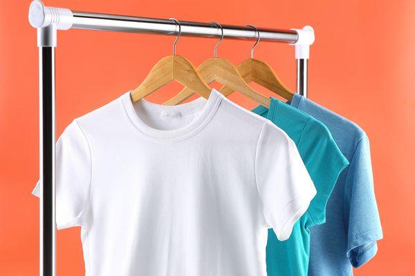 Tất tần tật 3 cách làm áo thun rộng ra