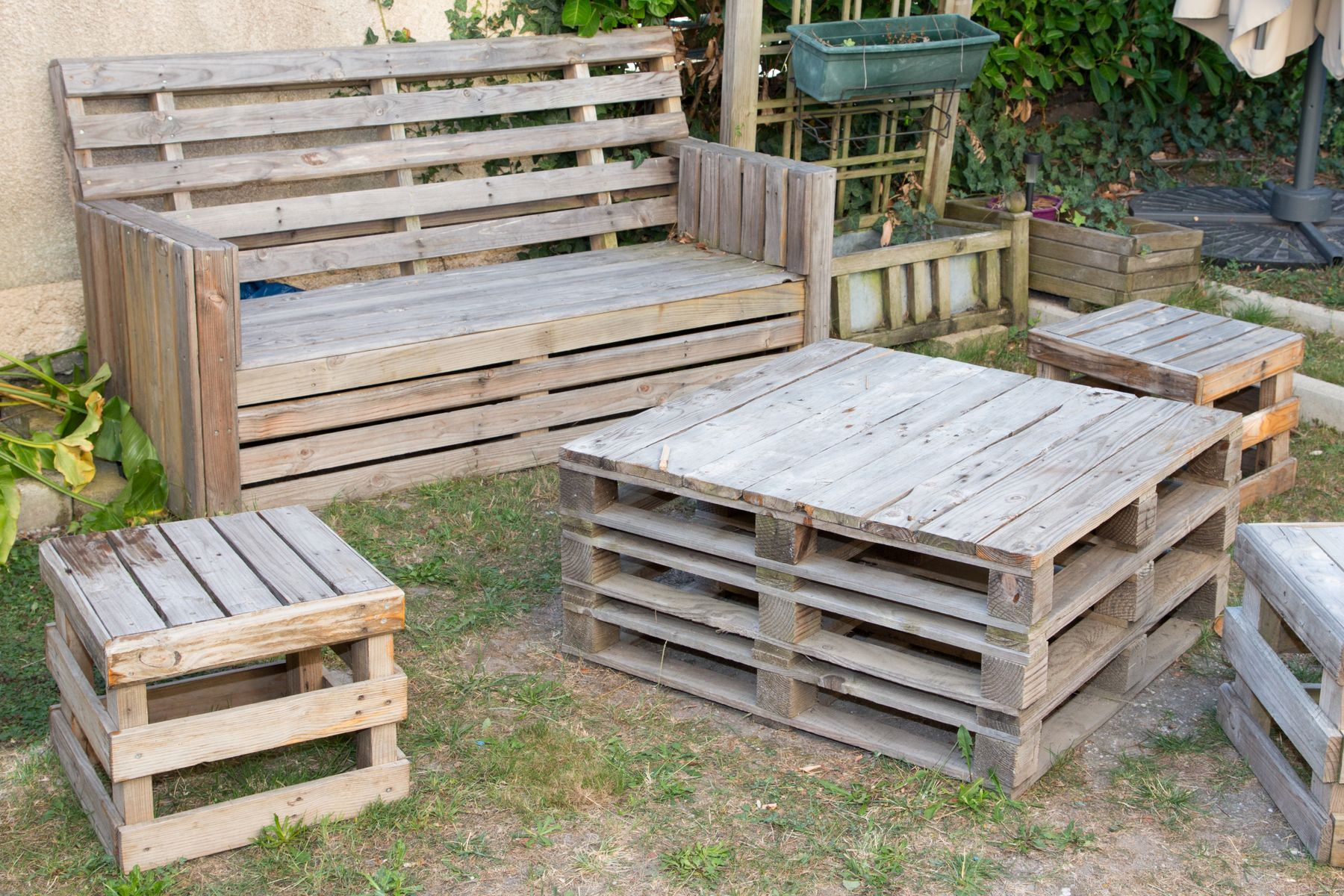 Móveis de jardim com paletes